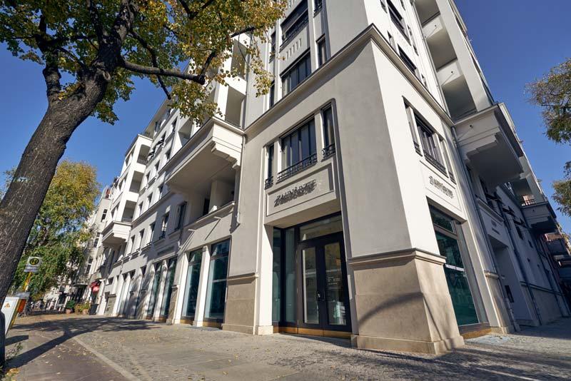 Eingang zur Zahnarztpraxis in der Leibnizstraße | Familiendentist