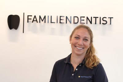 Zahnärztin | Dr. Laura Schlüter