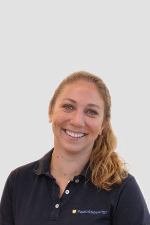 Zahnärztin Dr. Laura Schlüter